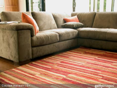 Mettre un tapis dans son salon, permet de mettre de la couleur et de rapidement changer d'ambiance.