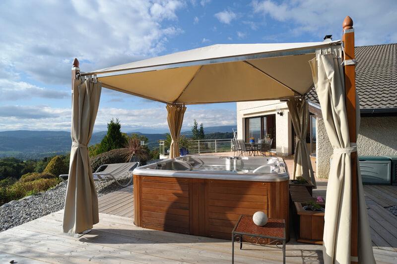 comment am nager un spa d 39 ext rieur artella. Black Bedroom Furniture Sets. Home Design Ideas