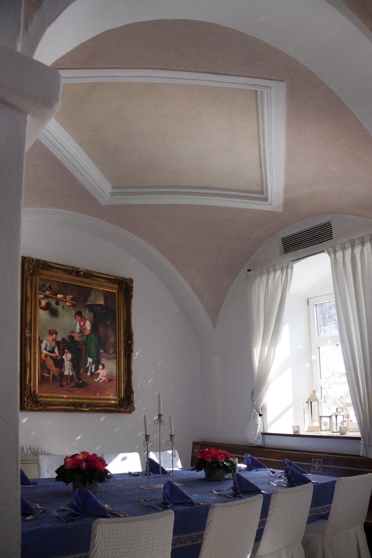 comment peindre le plafond retrouvez les meilleures. Black Bedroom Furniture Sets. Home Design Ideas